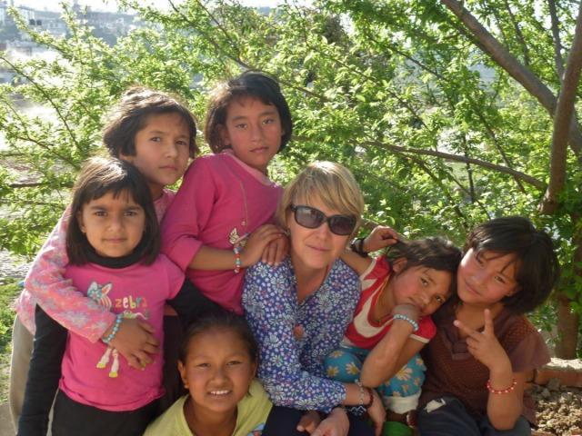 Anne et un groupe de filles