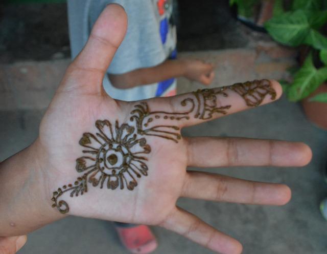 Technique du henné par Monica