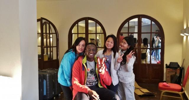Ahmed Sylla avec les filles